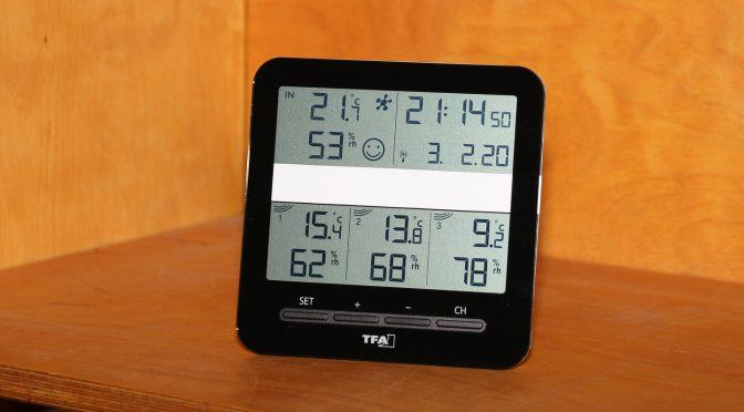 Das Thermometer gibt zur Klimatisierung vom Innenraum einen Smiley