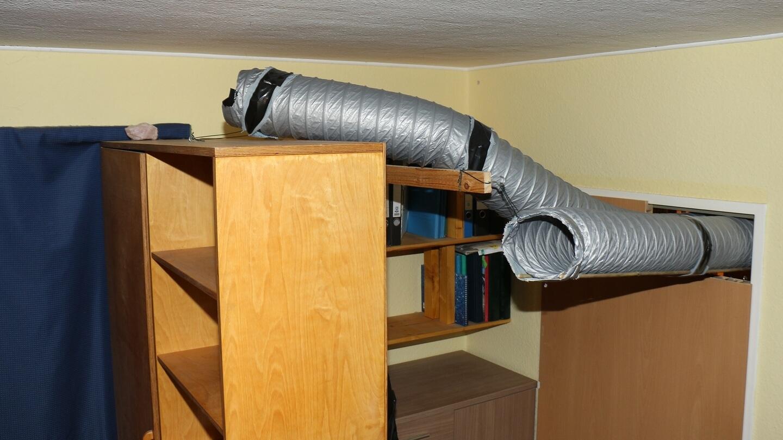 Zur Fensterkammer soll es ein geschlossener Luftkreislauf sein? Zwei Luftschläuche anbringen!