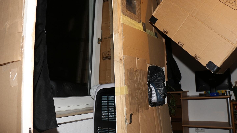 Die Klimaanlage kühlt im Abstellraum oder der Fensterkiste, um effektiver zu kühlen.