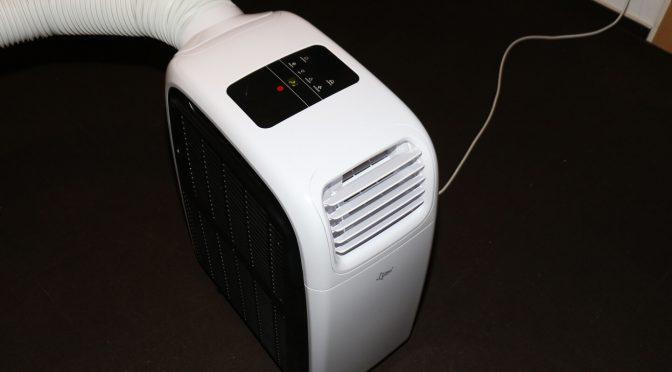 Mobile Klimaanlagen arbeiten gegen sich selber – wegen der nachströmenden Zuluft.