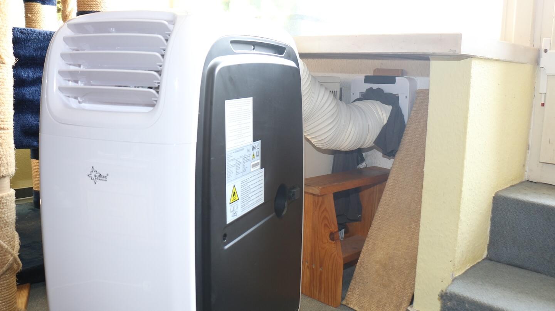 Nach Herstellerangaben aufgebaute mobile Klimaanlage – aber kühlt nicht!