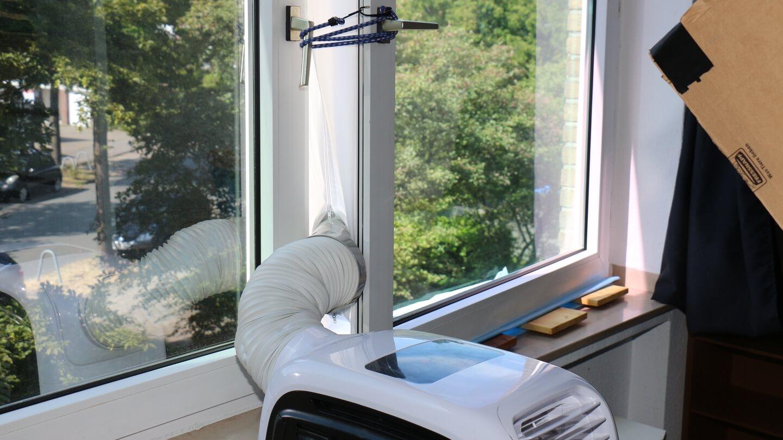 Mit dem Fensteradapter durch die Fensterabdichtung rauslüften