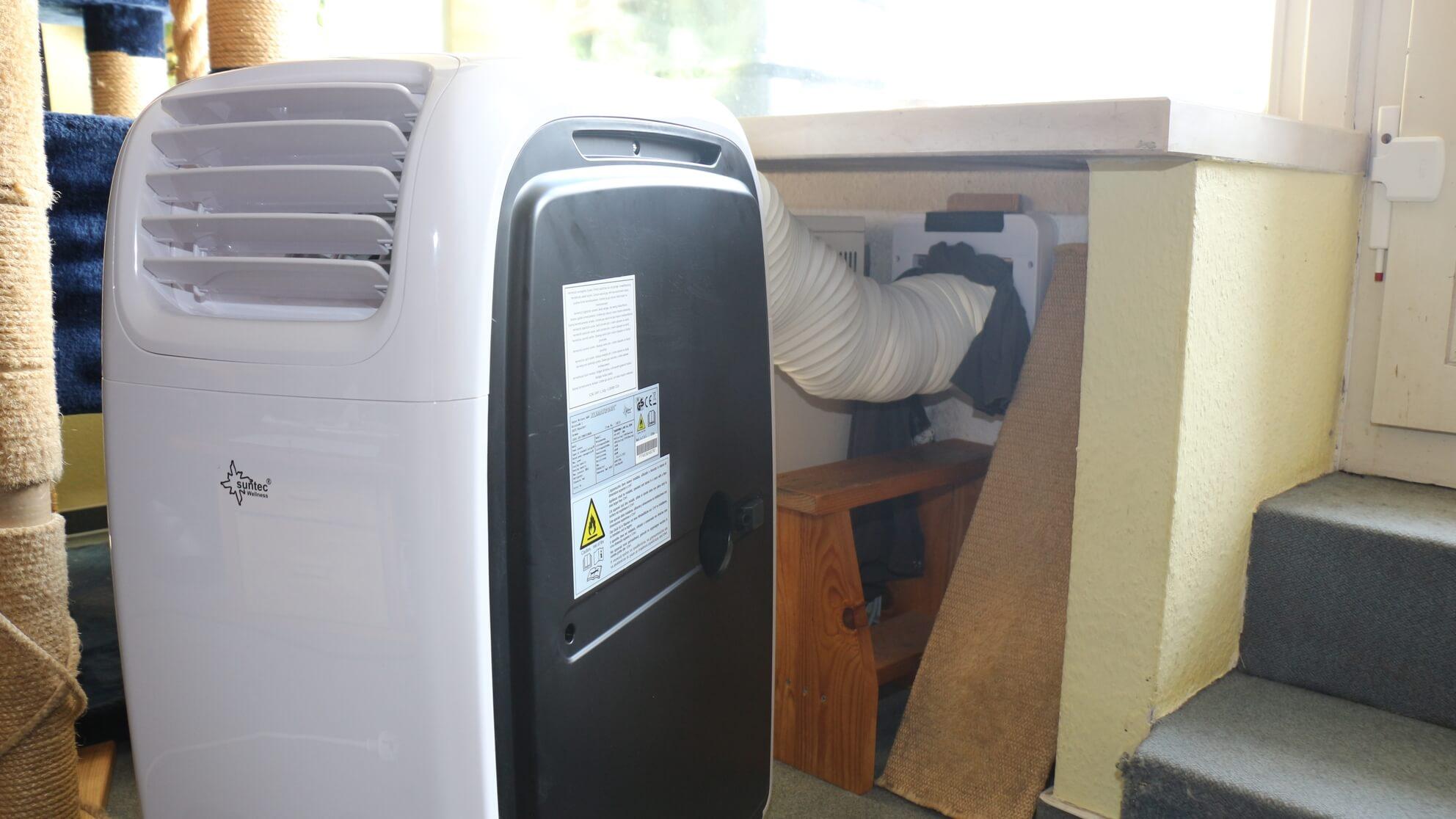 Lärm und kalte Zugluft der Klimaanlage – sie kühlt nun im Nebenzimmer